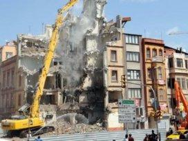 Beyoğlu Emniyet binası yıkıldı