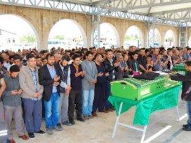 Türk genç Esedin askerleri tarafından vuruldu