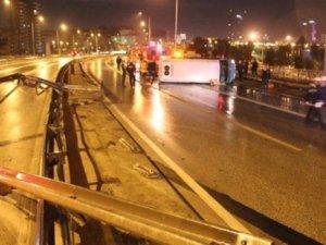 Yolcu minibüsü devrildi: 1 ölü