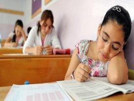 Milyonlarca öğrenci sınavda