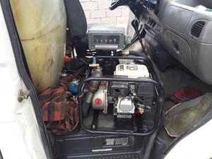 Minibüste kaçak akaryakıt satışına suçüstü