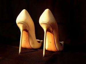 Ayakkabının topuğu 3 cmyi geçmemeli