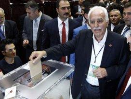 Saadet Partisinde genel başkan belli oldu