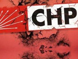 CHPde istifa depremi