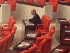 Erdoğan Bayraktar TBMMde yalnız başına