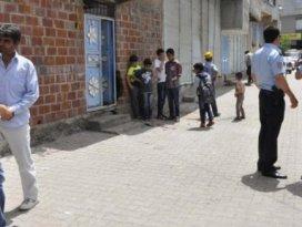 Minibüs öğrencilere çarptı: 1 ölü