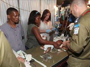 Haiti halkı gıda yardımı bekliyor