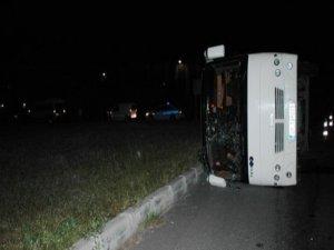 Otobüs panelvanla çarpıştı: 19 yaralı
