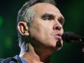 Ünlü İngiliz şarkıcıdan ezan sürprizi