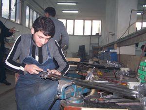 Tüfek sektörü işsizlere kapılarını açtı