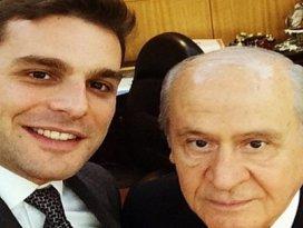 Bahçeli Mehmet Aslanla selfie çektirdi