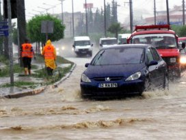 Meteorolojiden 10 ilimize kuvvetli yağış uyarısı
