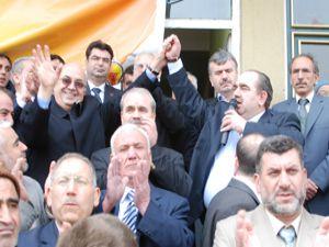 Ak Parti ve CHPliler Doğanhisarda buluştu