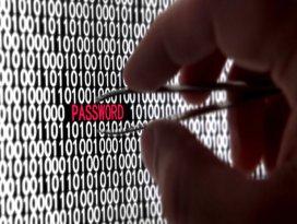 TİB personeline şifre silerken suçüstü
