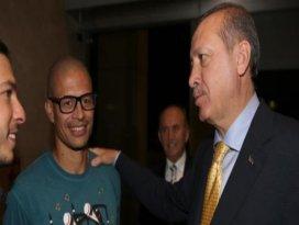 Başbakan Erdoğanı Alex karşıladı