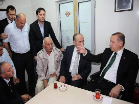 Başbakan Erdoğandan taksicilere ziyaret