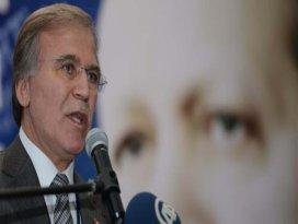 Türkiye iki partili yapıya doğru gidiyor