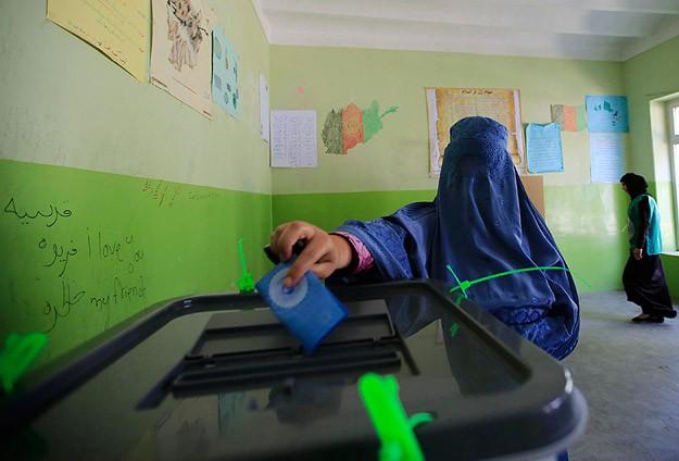 Afgan halkı 2. kez sandık başında
