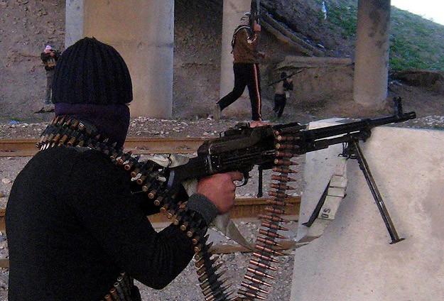 IŞİD Suriye-Irak sınırında etkinliğini artırıyor