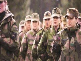 Kızları da alırlar askere