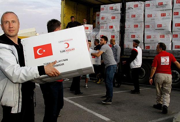 Türk Kızılayı yardım tırları Sincara ulaştı