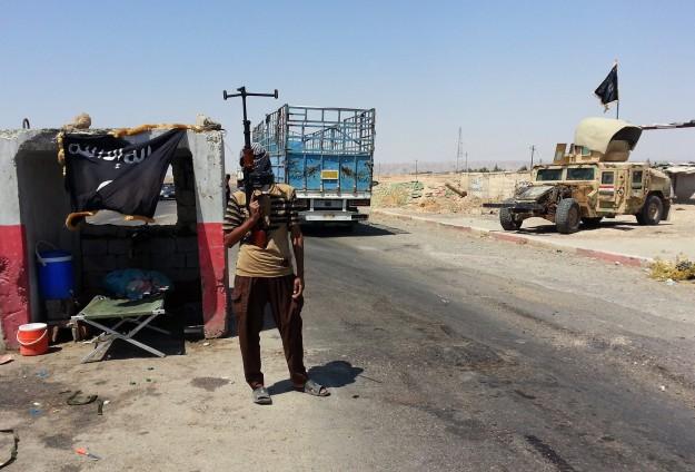 IŞİD, ÖSOya bağlı 3 Askeri Meclisi üyesini idam etti