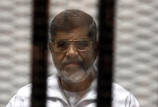 Mursinin yargılandığı davanın duruşması ertelendi