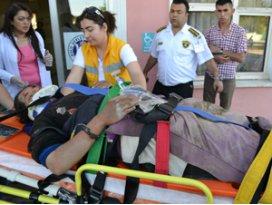 İşçi taşıyan minibüs devrildi; 19 yaralı