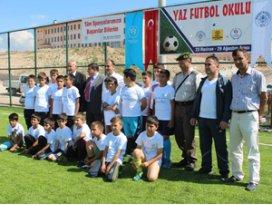 Beyşehirde yaz futbol okulu açıldı