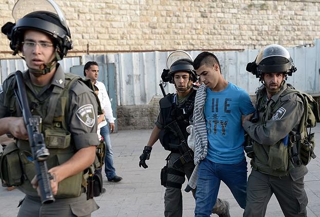 İsrail askerleri 12 günde 540 Filistinliyi gözaltına aldı