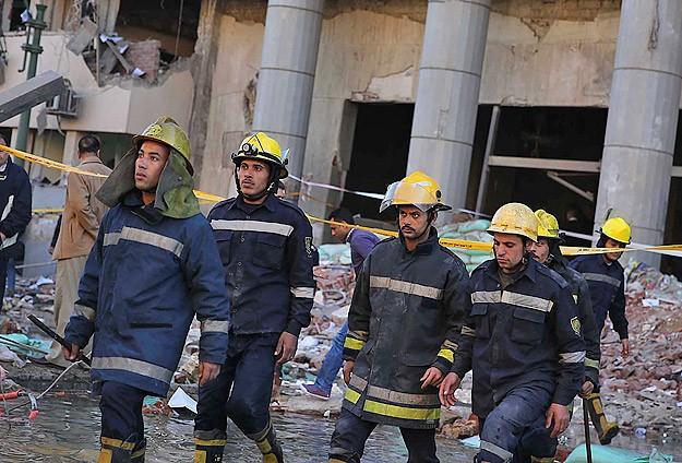 Mısırda 4 metro istasyonunda patlama
