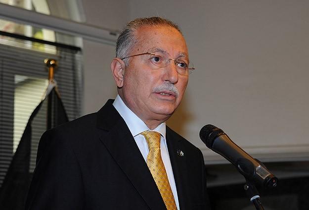 MHPde İhsanoğlu için imzalar alınıyor