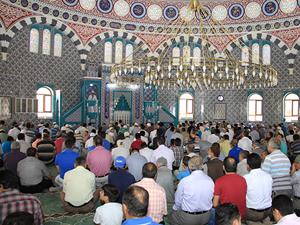 Cevher Dudayev Camii ibadete açıldı