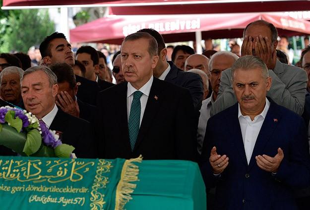 Başbakan Erdoğan cenaze törenine katıldı