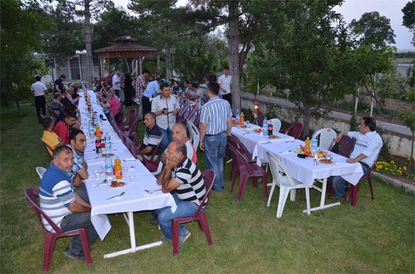 Karaman-Konya karayolunda iftar vakti!