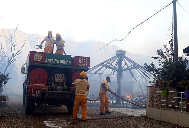 Adrasandaki yangın kontrol altına alındı