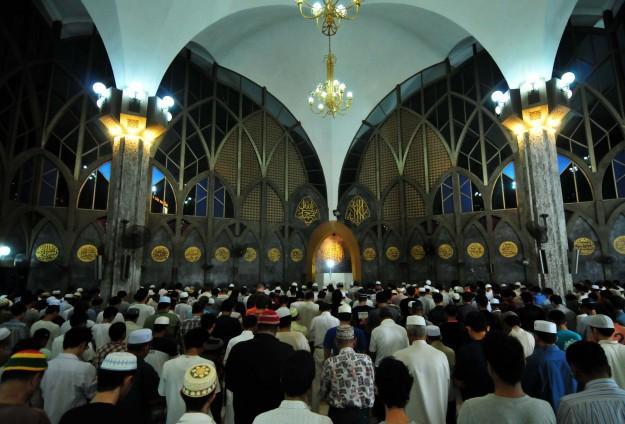 Tayland'da camiye silahlı saldırı