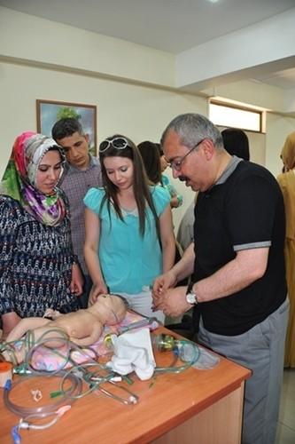 Meram Tıpda yenidoğan canlandırma kursu
