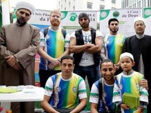 Dünya Kupasına geldiler Müslüman oldular