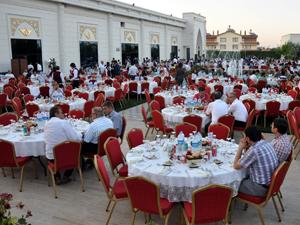 İkonia Garden Ramazanda buluşturuyor