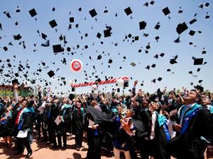 SÜ en güzel mezuniyet fotoğrafını seçiyor