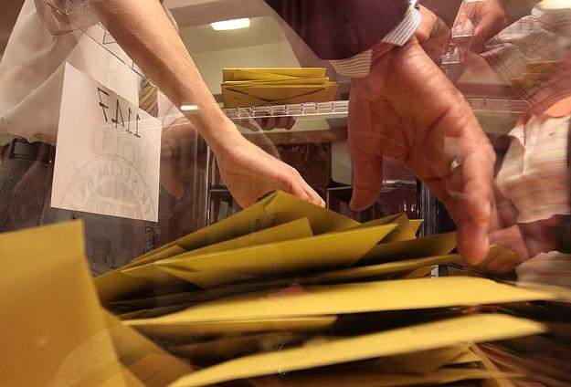 Oy verme saatleri belirlendi