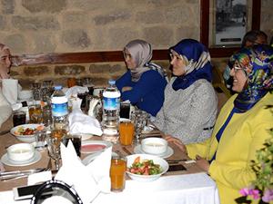 Meram Belediye meclis üyeleri iftarda buluştu