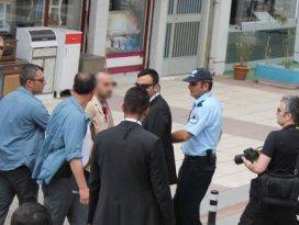 Başbakan Erdoğanın yanında silah alarmı