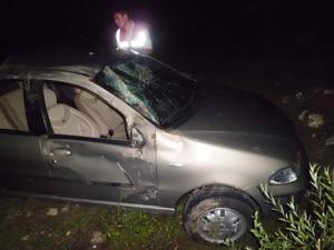 Otomobil şarampole devrildi: 4 yaralı
