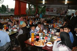 Kulu Belediyesinden yetim çocuklara iftar