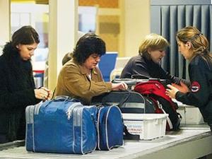 Havalimanlarında kontrol noktaları kaldırılıyor
