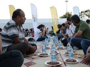 Gençlerin yüreği Gazze için çarptı