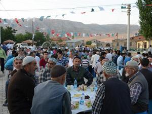 Meram'dan Sefaköy mahallesinde iftar