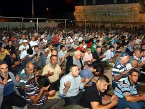 Ereğli'de kadir gecesi camiler doldu